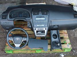 Toyota Avensis III 2010
