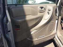 Chrysler Town & Country II 2002 m. dalys