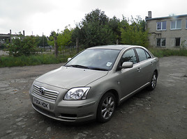 Toyota Avensis II 2004 y parts