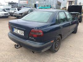 Volvo V40 I 1999 m. dalys