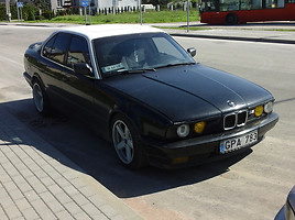 BMW 525 E34  125kw be duju Sedan