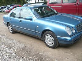 Mercedes-Benz E 220 W210 1999 y parts