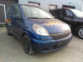 Toyota Yaris Verso   Минивэн
