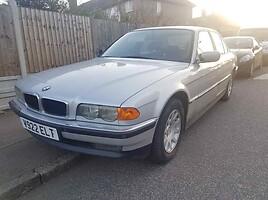 BMW 728 E38