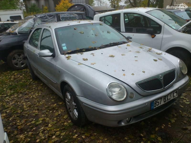 Lancia Lybra 2001 m. dalys