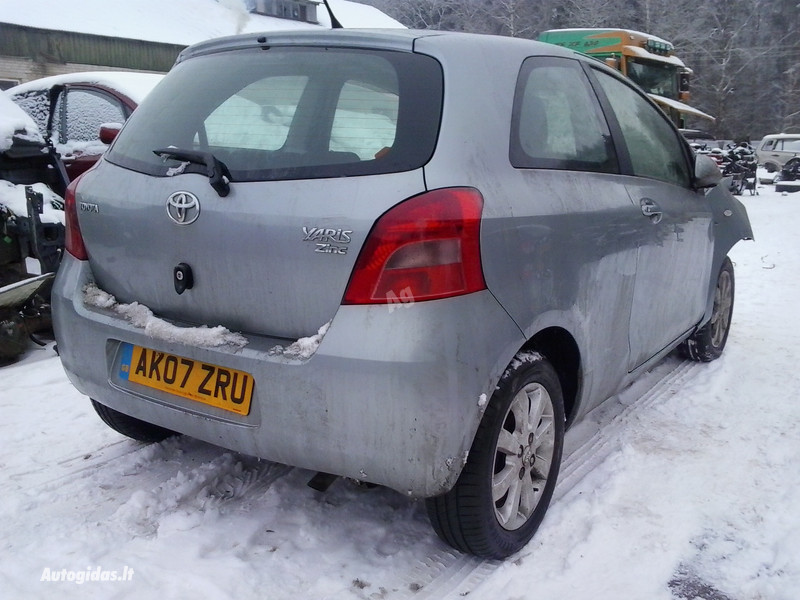 Toyota Yaris II 2006 y. parts