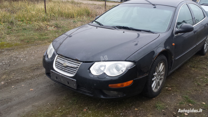 Chrysler 300M, 2002m.