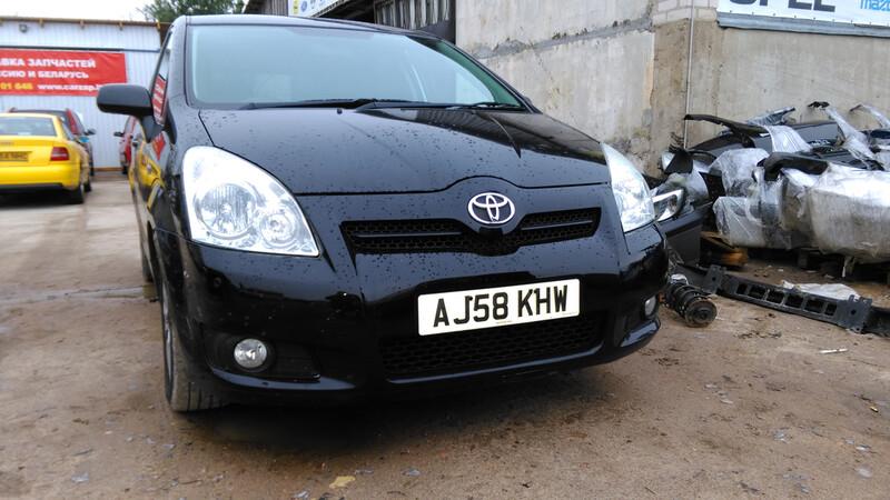 Toyota Corolla Verso 2008 y. parts