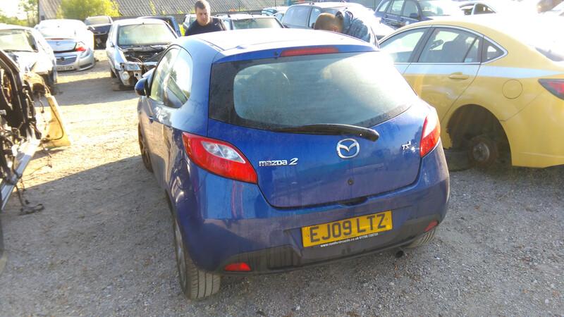 Mazda 2 II 2009 m. dalys