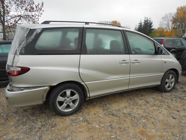 Toyota Previa 2001 m. dalys