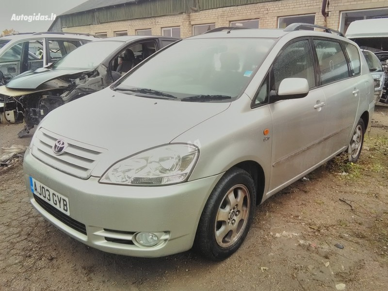 Toyota Avensis Verso, 2003m.