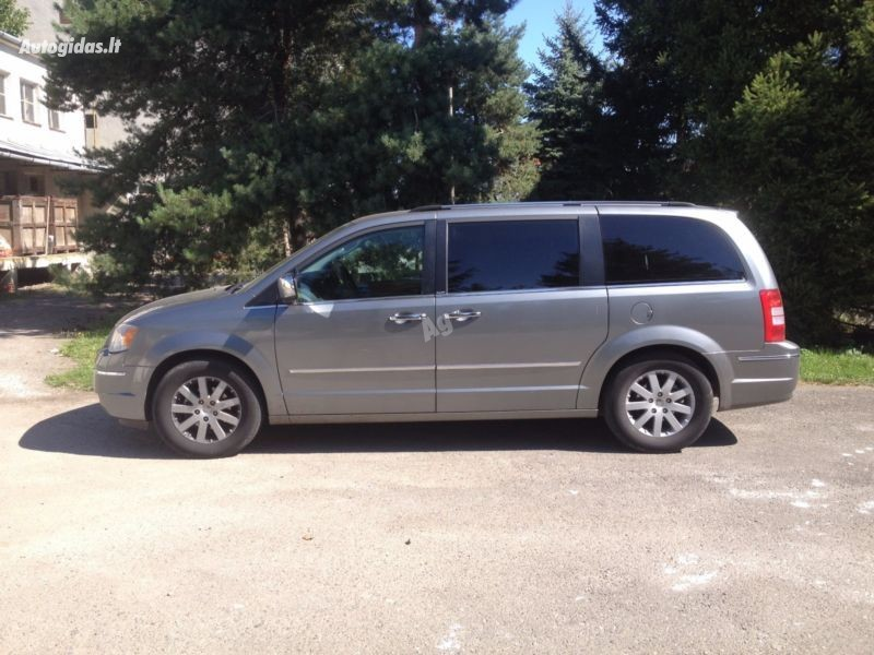 Chrysler Grand Voyager IV 2010 m. dalys