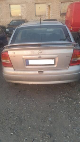 Opel Astra I 1998 y parts