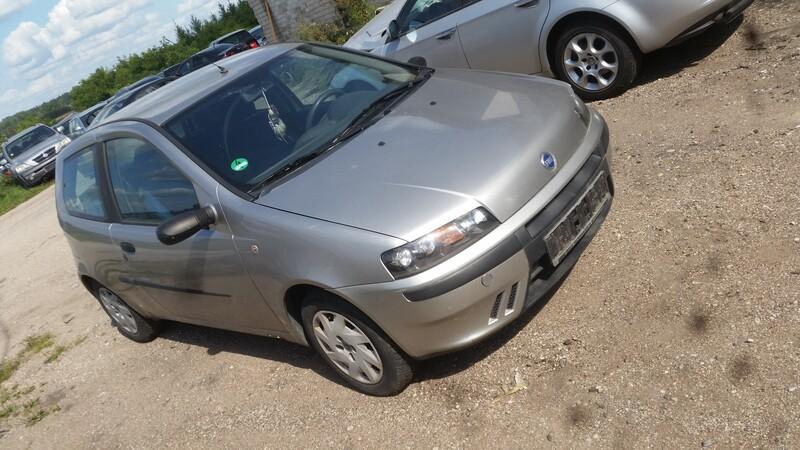 Photo 3 - Fiat Punto 2001 y parts