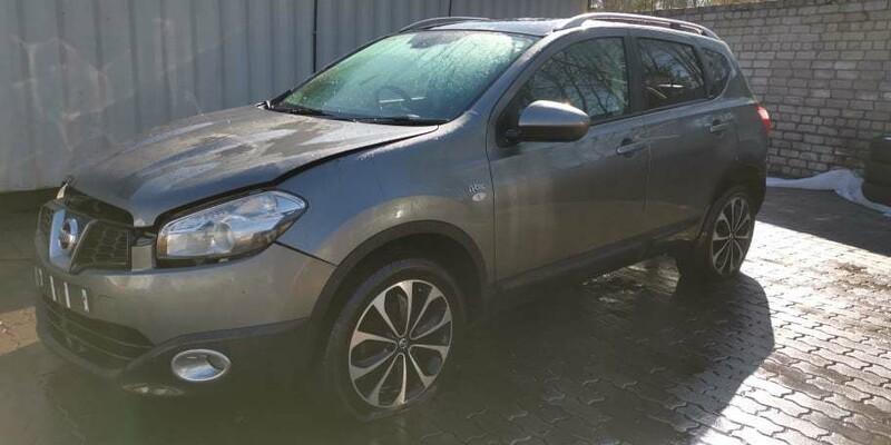 Nissan Qashqai 2011 y parts