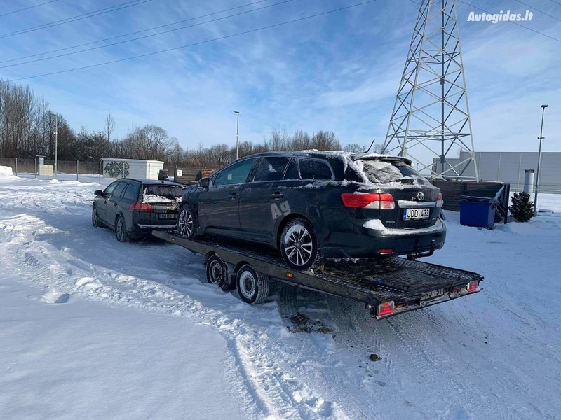 Toyota Avensis III 2013 y parts