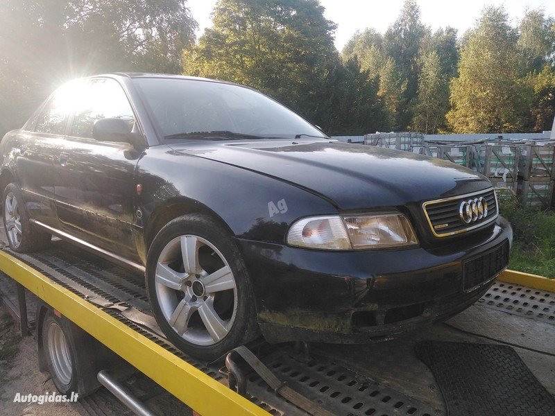 Audi A4 B5 Quatro. 2.8 1998 г запчясти