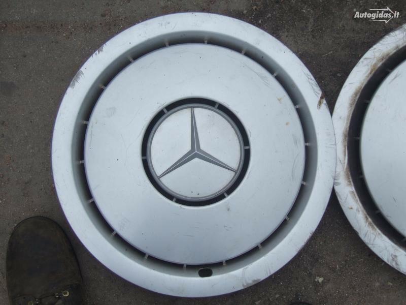 Mercedes-Benz 250 R15 ratų gaubtai