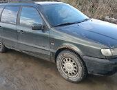 volkswagen passat b4 81KW zalias Universalas 1996